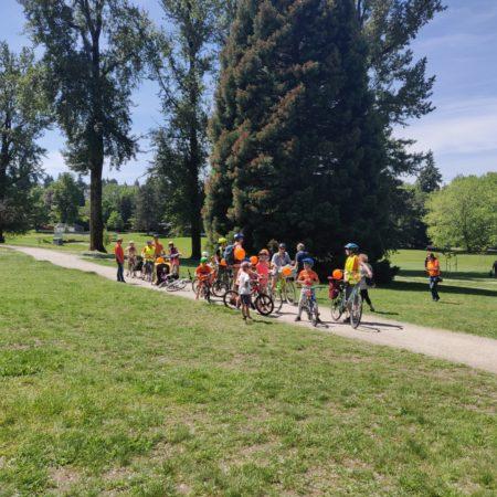 Fietstocht_groep_veld_fietsen_IMG_20190602_120852